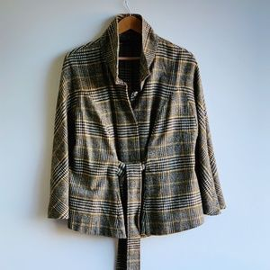 NEW YORK + CO brown and yellow cape jacket size L
